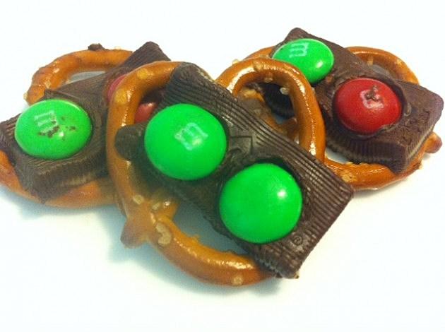 chocolate mint pretzels